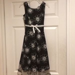 Black/White flowered girl's dress
